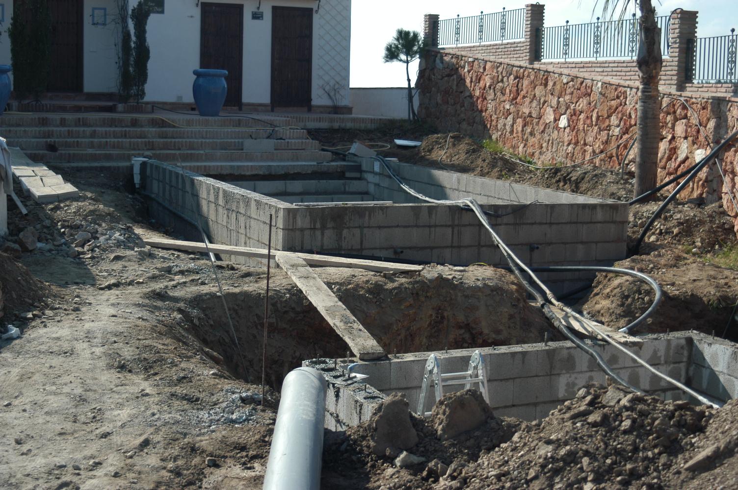8 Bauphase Pool