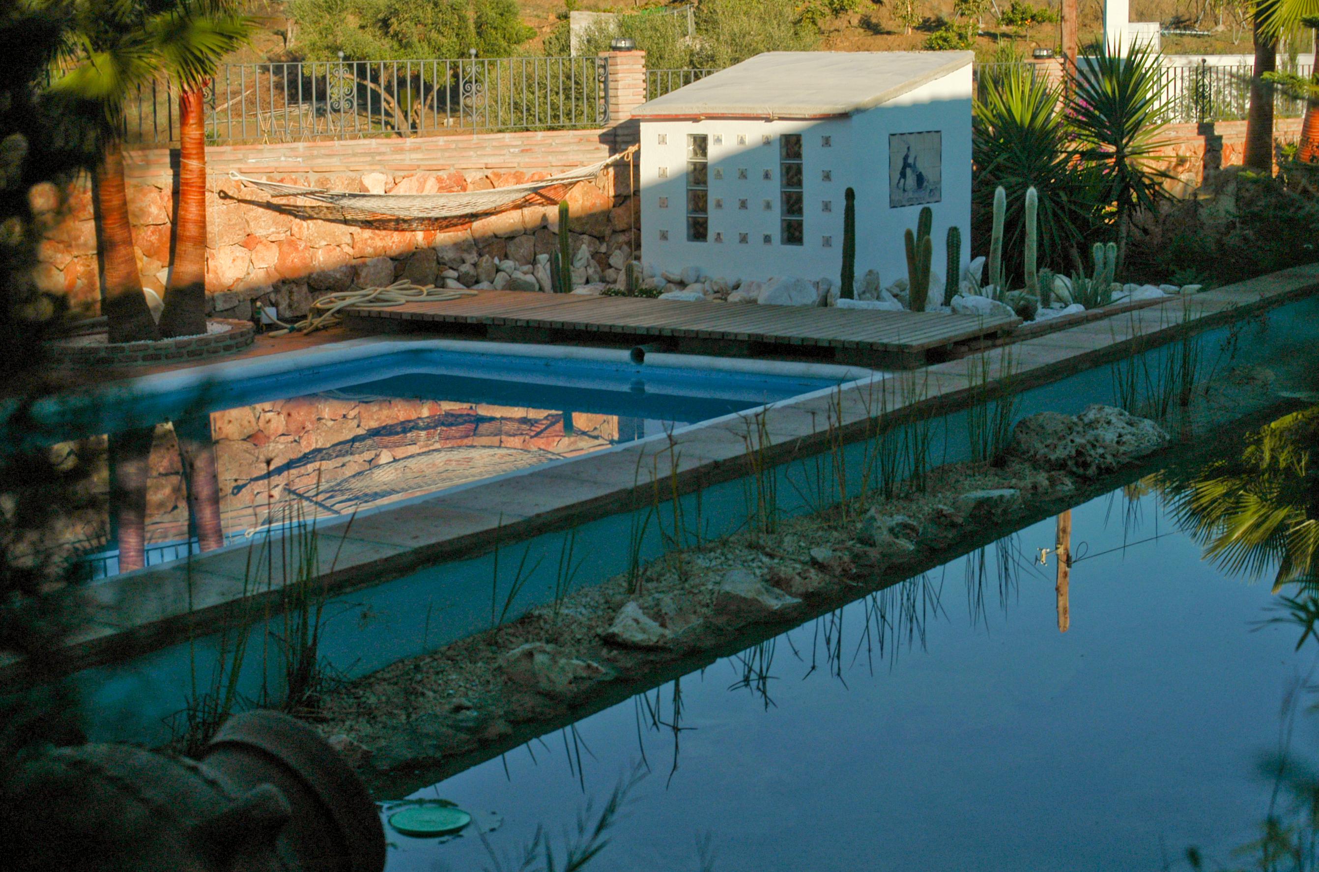 Natur-Pool mit Regenerations-/Bio-Teich